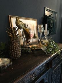 Pineapple perch